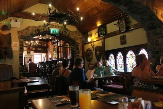 De Kyteler Inn (1324) — Kilkenny, Irlanda