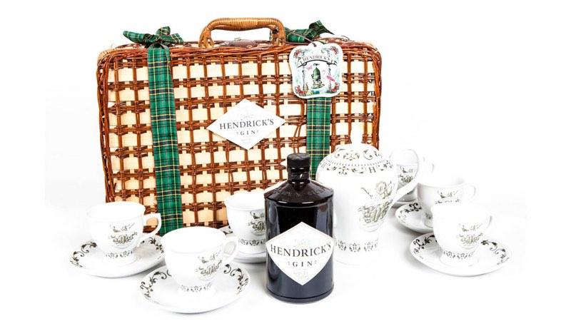 Hendrick's lanza una edición especial para tomar gin tonics en tazas de té en Navidad