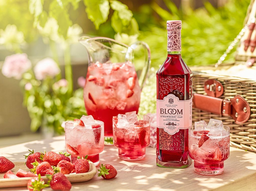 Bloom lanza Strawberry Cup, bebida espirituosa con base de fresa