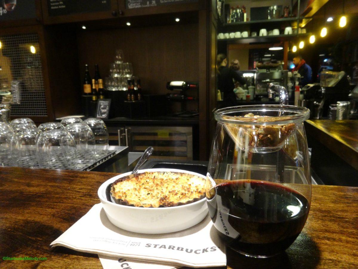 Starbucks comienza a servir vino en China