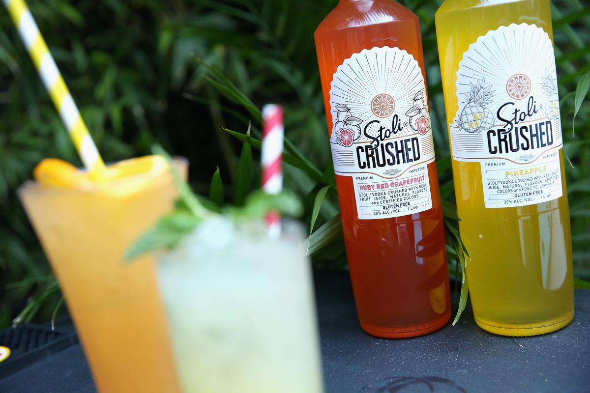 Stoli lanza vodka con auténtica fruta con Stoli Crushed