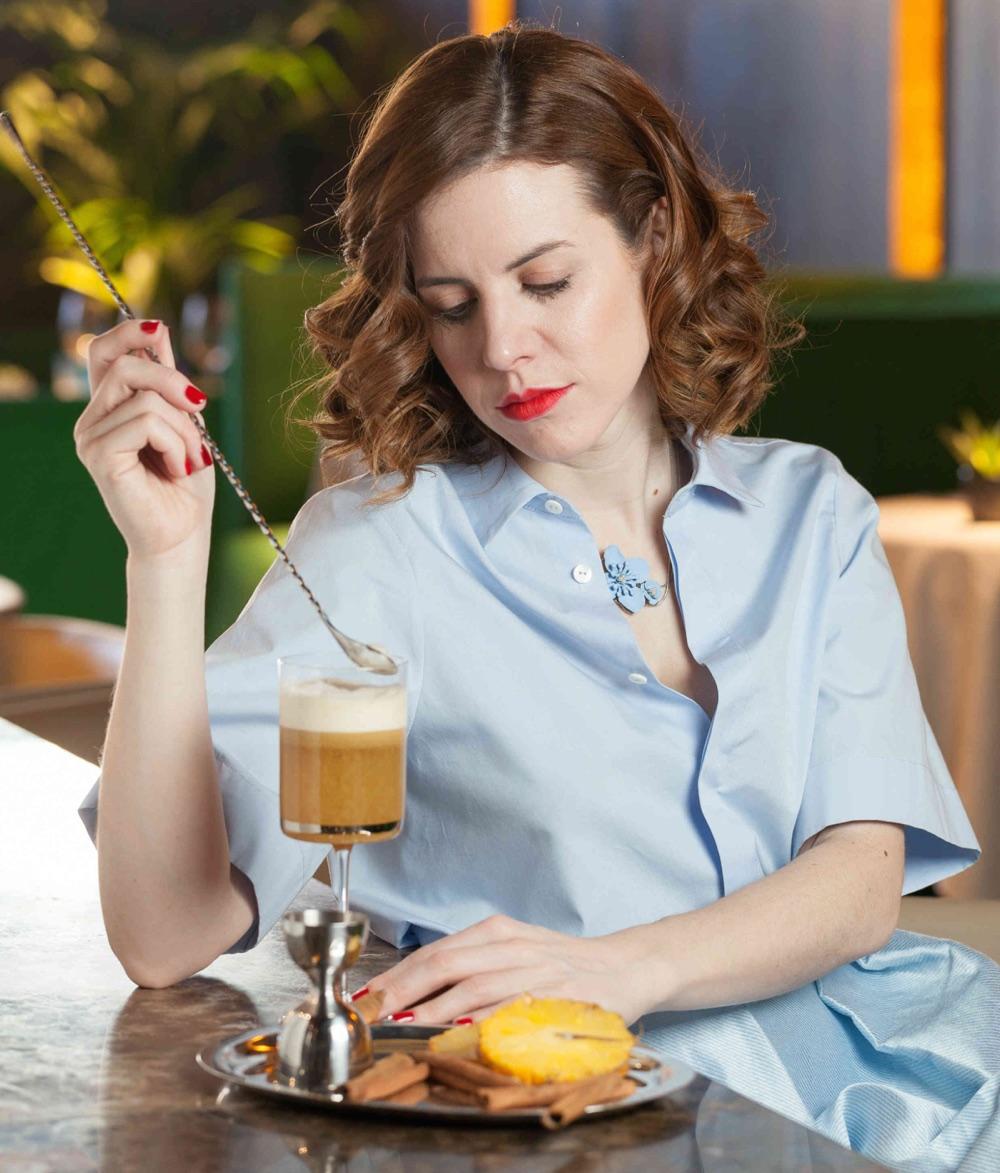"""Lepanto presenta cócteles elaborados por la """"barmaid"""" Nagore Arregui"""