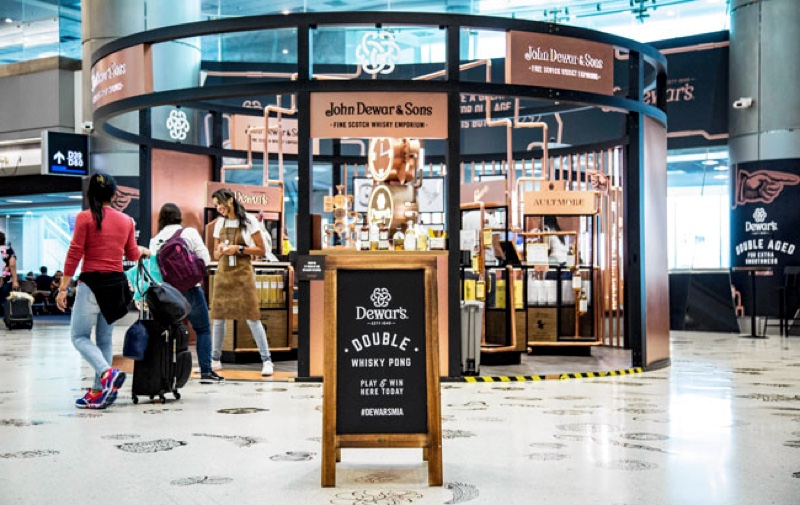 Dewar's lanza un creativo pop-up en el aeropuerto de Miami