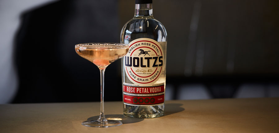 Tony Conigliaro lanza vodka aromatizado con Woltz's