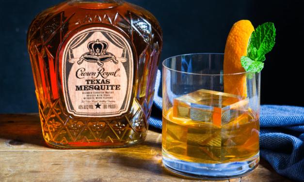 Crown Royal presenta el whisky ahumado de mezquite de Texas