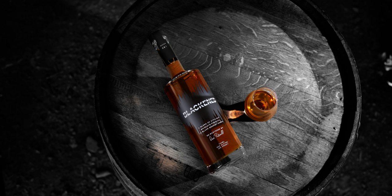 Metallica lanza el 'sónico' Blackened American Whiskey