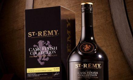St-Rémy lanza French Chardonnay Cask, brandy Chardonnay en barrica