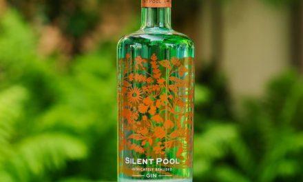 Silent Pool crea una mezcla de té de inspiración botánica, Silent Pool Gin G & Tea