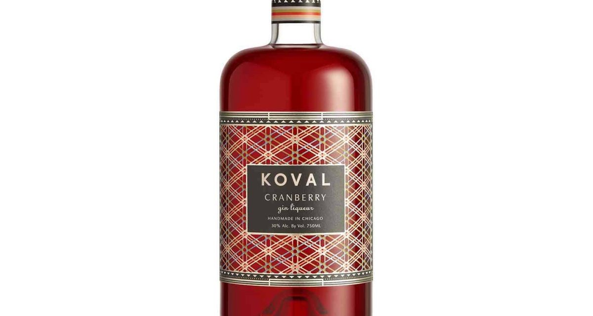 Koval crea licor de ginebra con sabor a arándano