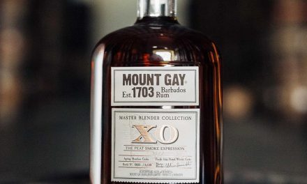 Mount Gay lanza una edición limitada de ron ahumado, XO The Peat Smoke Expression