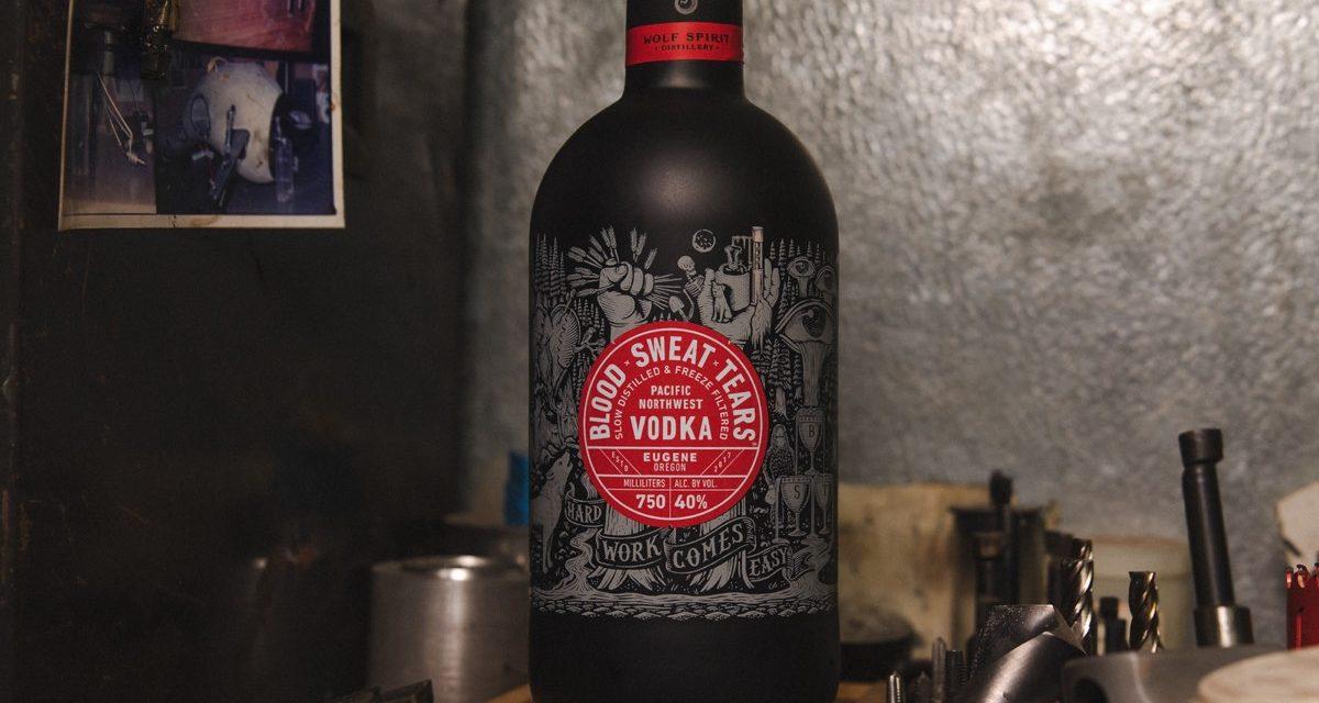 Wolf Spirit lanza su primer vodka, Blood x Sweat x Tears vodka