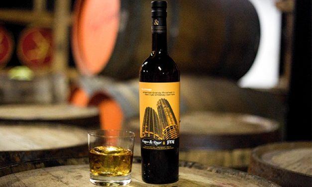 Copper & Kings presenta brandy de whisky de centeno en barril Copper & Kings via Chicago American Brandy