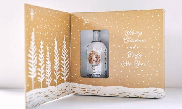 Daffy's lanza una tarjeta de Navidad llena de ginebra
