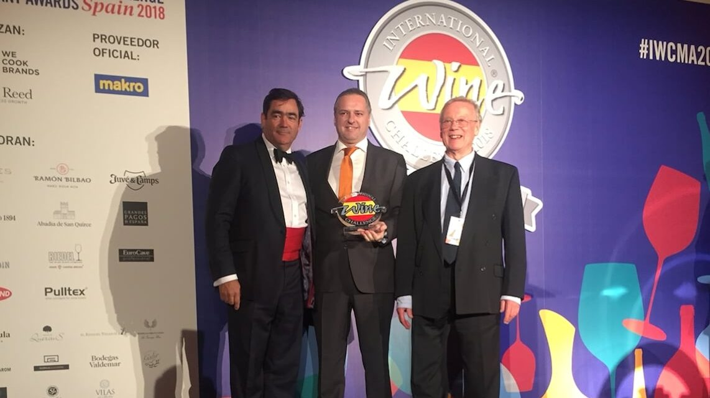 Sergio Martínez, de Bodegas Lustau, recoge su premio como Mejor Enólogo de España 2018