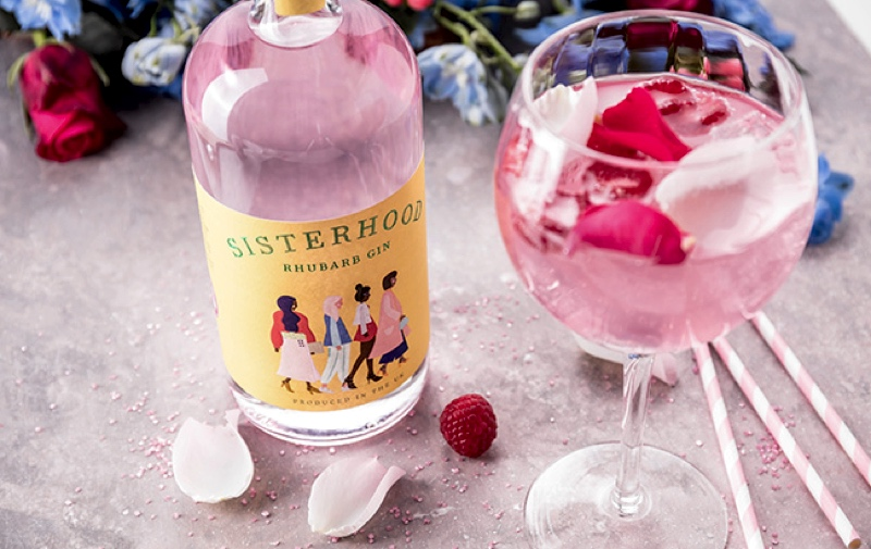 Sisterhood Rhubarb Gin, nueva ginebra que celebra el movimiento femenino