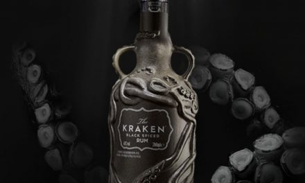 Kraken combate los residuos plásticos con un nuevo embotellado en Kraken Rum Salvage