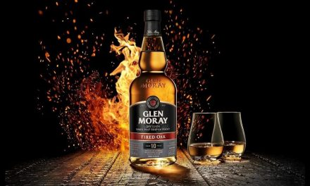 Glen Moray lanza un whisky escocés inspirado en el Bourbon, Glen Moray Fired Oak