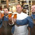 La Fábrica Cruzcampo de Málaga, propiedad de Heineken España, ha acogido la presentación de una nueva cerveza: la Pale Ale Marina