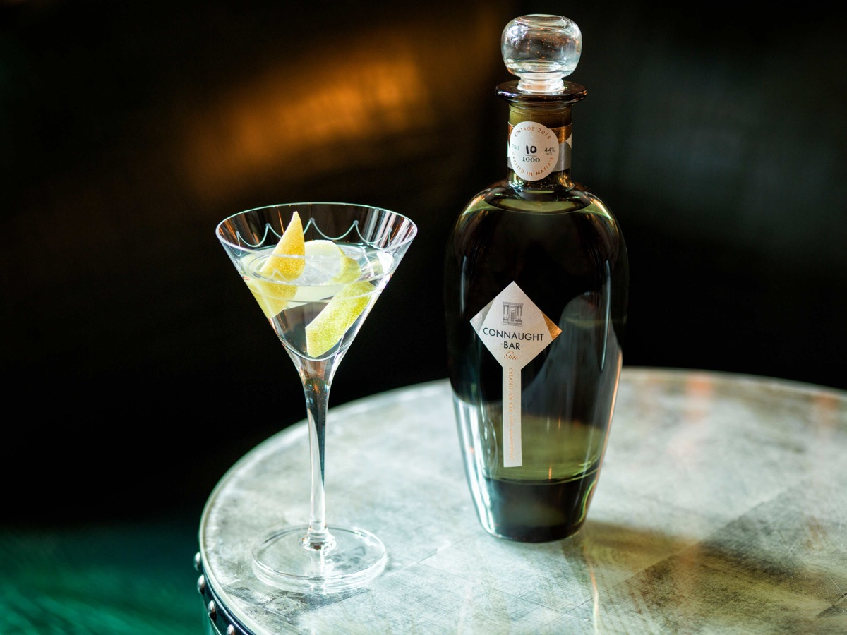 Connaught-Bar-Gin-with-Martini