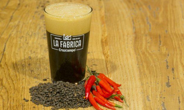La Fábrica Cruzcampo de Málaga elabora 30 tipos de cerveza en su primer año