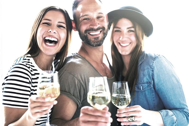 Los bebedores moderados van menos al hospital, según un estudio de Harvard