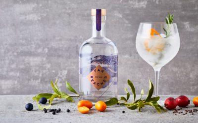 Viajar por todo el mundo inspira a Far Reaches Gin
