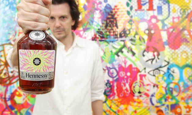 Hennessy se asocia con Ryan McGinness para una botella de edición limitada