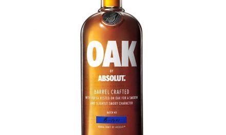 Absolut amplía Oak by Absolut en la venta al por menor de productos de viaje