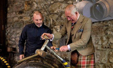 El whisky Príncipe Carlos recauda 225.400 libras para fines benéficos