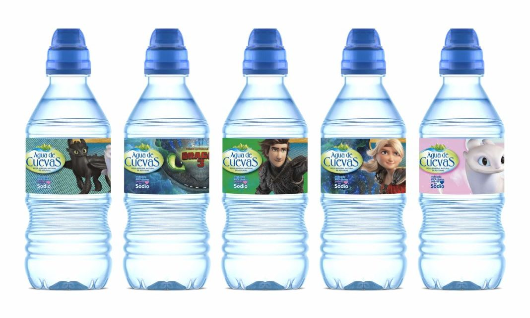 Las botellas de Agua de Cuevas se llenan de dragones en edición limitada