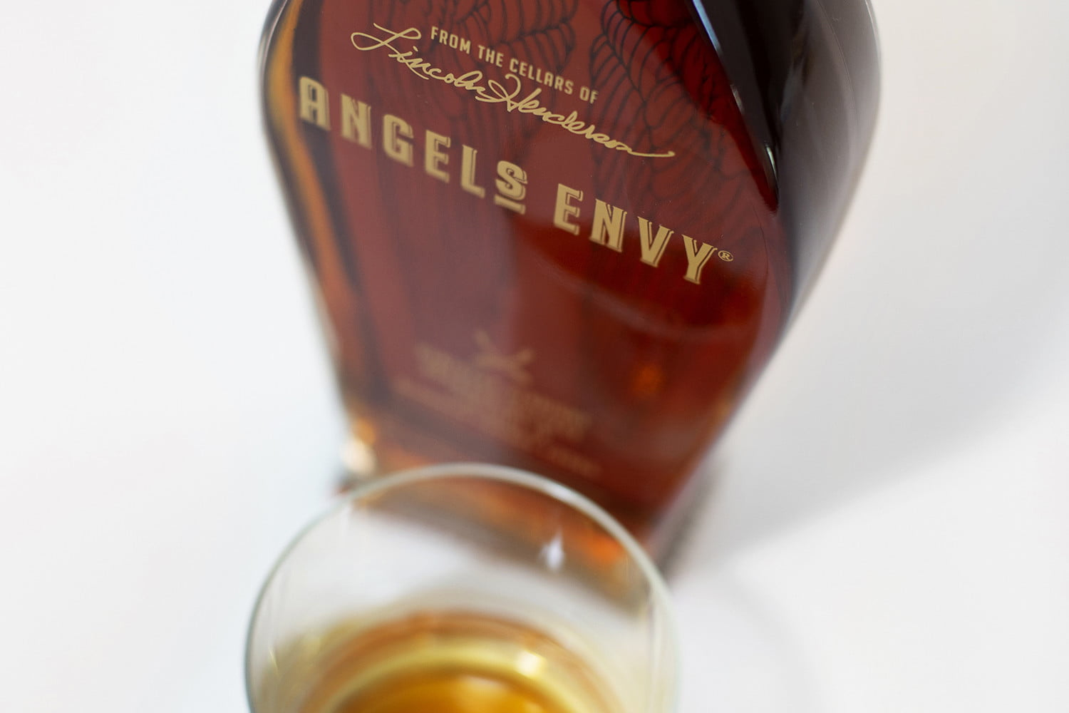 angels-envy-kentucky-straight-bourbon-whiskey-finished-in-oloroso-sherry-casks-feature