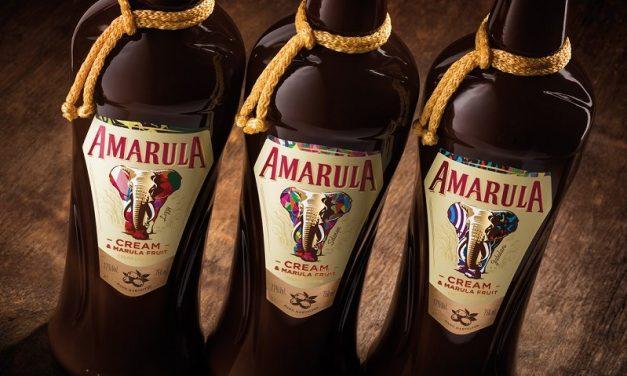 """Amarula amplía """"Name Them Save Them"""" con nuevas botellas para proteger a los elefantes"""