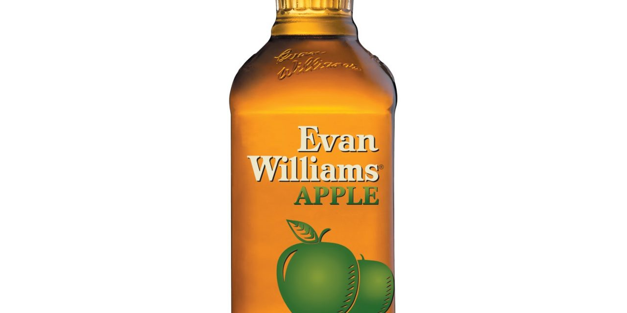 Heaven Hill Brands lanza Bourbon con sabor a manzana, Evan Williams Apple