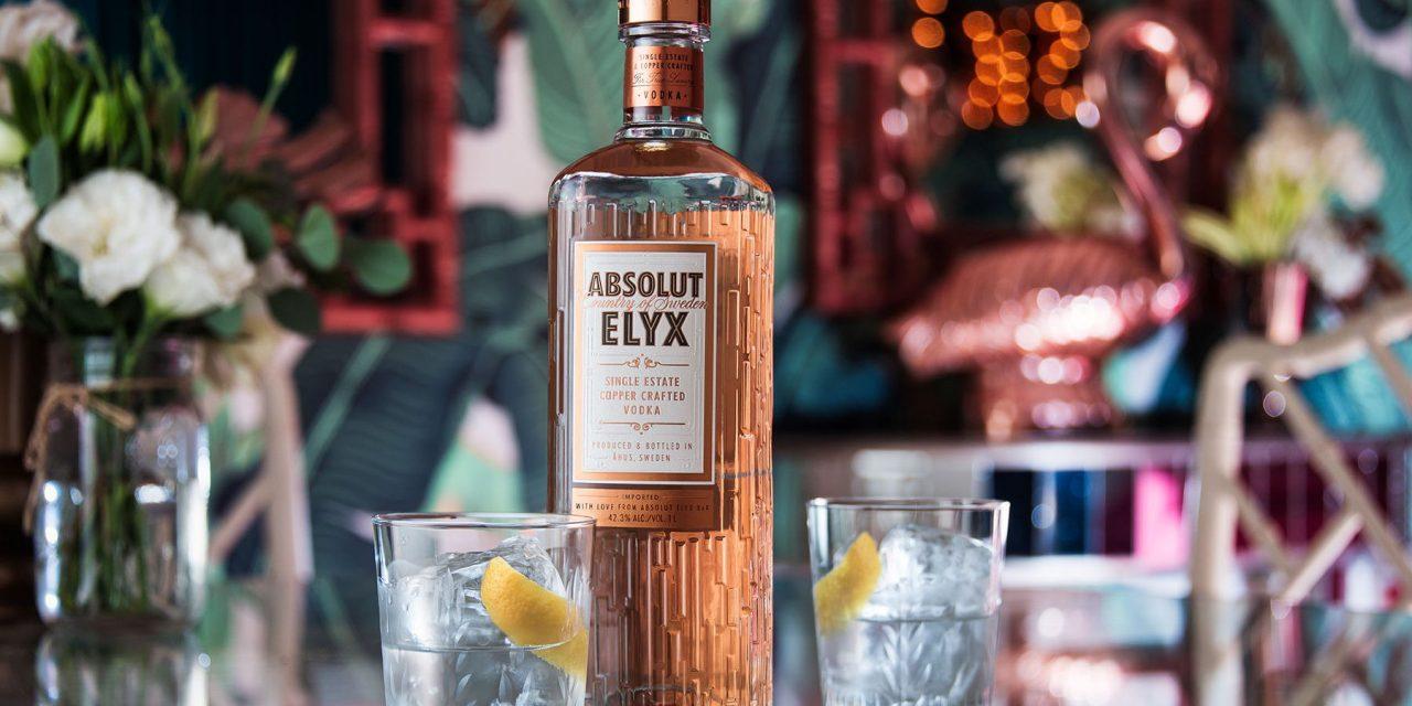 Absolut Elyx presenta un rediseño inspirado en el cobre