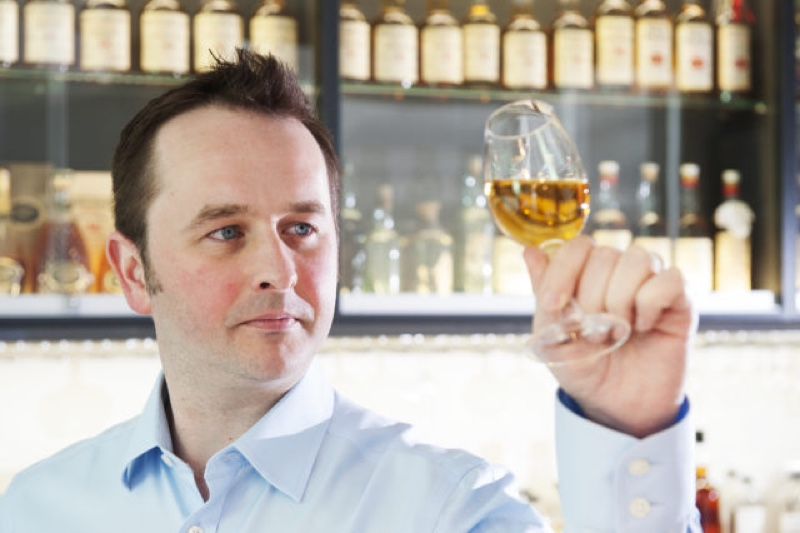 Whyte & Mackay presenta whiskies experimentales con The Whisky Works