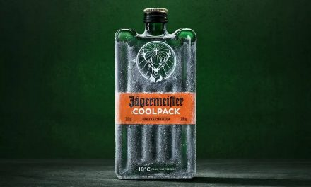 Jägermeister crea un diseño de botella inspirado en el envase de hielo, Coolpack