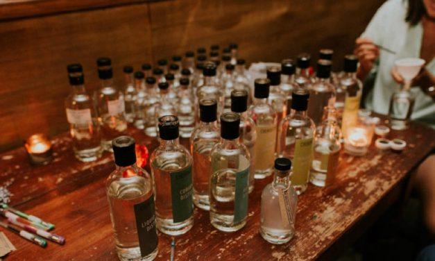 Boutique-y crea ginebras inspiradas en la ciudad con camareros