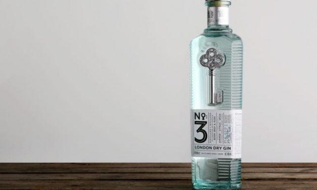 No.3 se renueva con un nuevo diseño de botella, por Stranger & Stranger