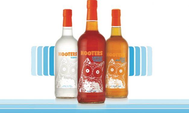 La cadena de restaurantes Hooters lanzará su línea de licores, The Hooters Spirits