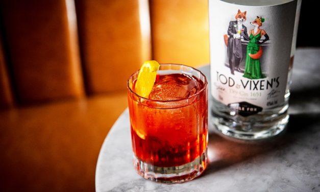 Regan, Robitschek y Morgenthaler diseñan la ginebra Tod & Vixen's Dry Gin 1651