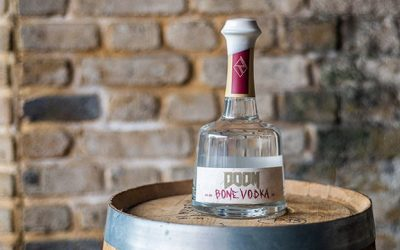 Rebel Distillers usa huesos de res para crear vodka de videojuegos, Doom Bone