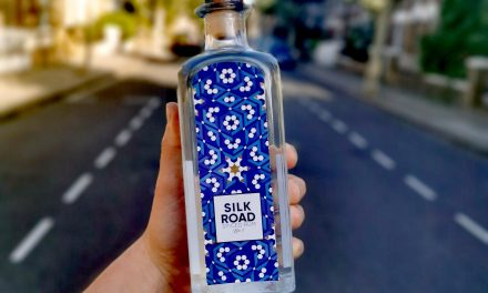 Silk Road Distillers crea Silk Road's White Spiced Rum, el primer ron blanco con especias
