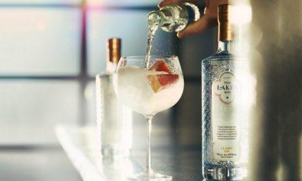 Lakes Distillery 'recrea' su ginebra estrella utilizando productos botánicos