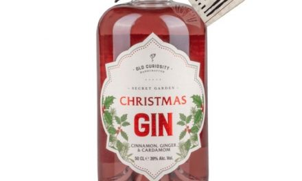 Ruby Bhogal y Old Curiosity Distillery lanzan Old Curiosity Distillery's Christmas Gin