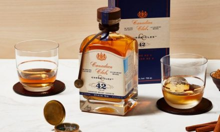 Canadian Club lanza Canadian Club Chronicles 42 Year Old