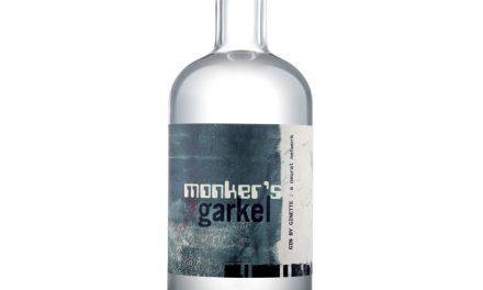 Circumstance Distillery presenta Monker's Garkel, la 'primera' ginebra con inteligencia artificial del mundo