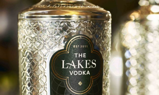 Lakes Distillery rediseña su botella de vodka