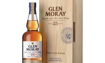 Glen Moray lanza Port Cask Finish, whisky de malta de 25 años terminado en barriles de Oporto