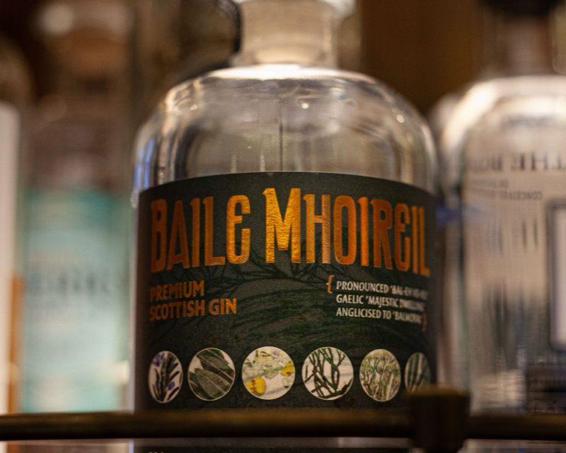 Old Curiosity crea la ginebra Baile Mhoireil con el hotel Balmoral