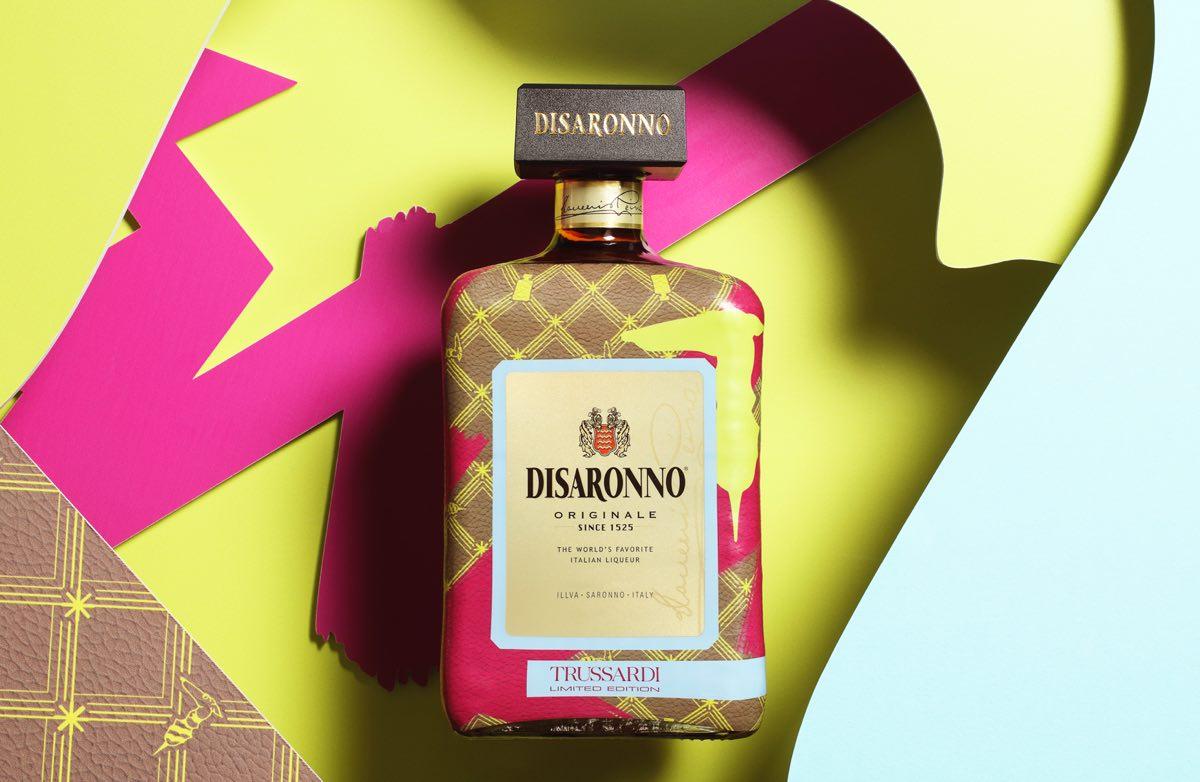 Disaronno by Trussardi, una botella de Alta Costura de la mano de Trussardi